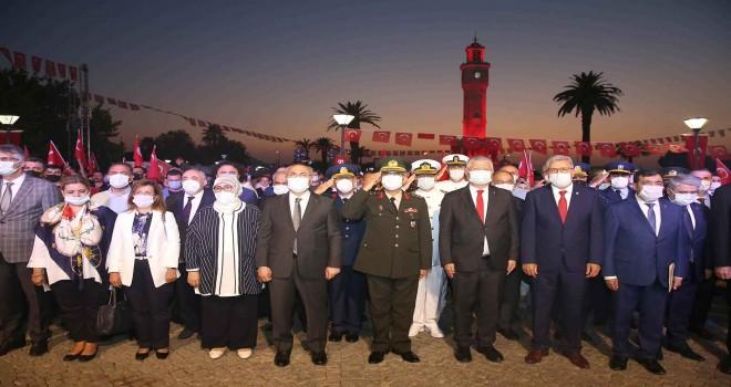 15 Temmuz etkinlikler Konak Meydanı'nda tamamlandı