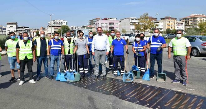 Çiğli Belediyesi'nden Dünya Temizlik Günü'ne destek