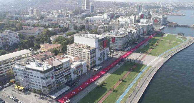İzmirliler tek yürek