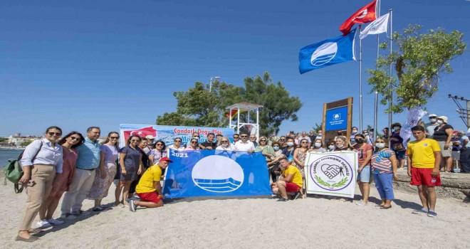 Çandarlı Doğu Plajı'na mavi bayrak