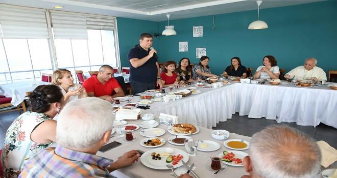 Başkan Cemil Tugay'dan ulaşıma özel ekip