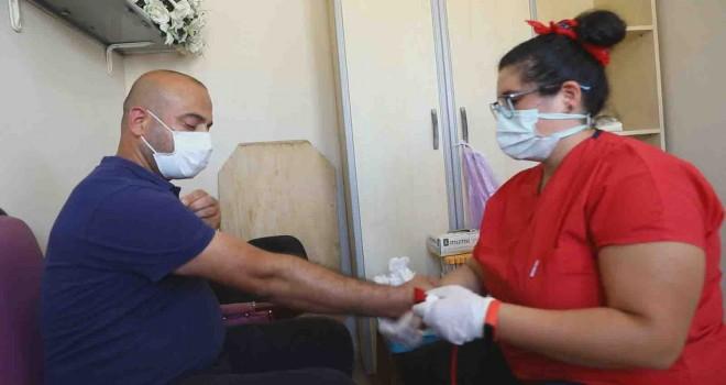Bayraklı Belediyesi'nden çalışanlarına sağlık kontrolü