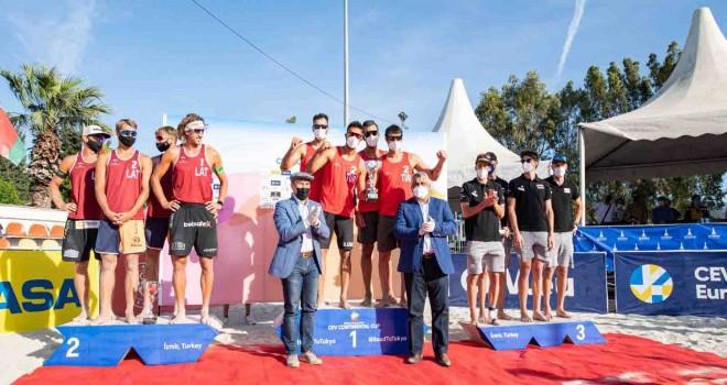 Plaj voleybolunda Erkek Milliler şampiyon