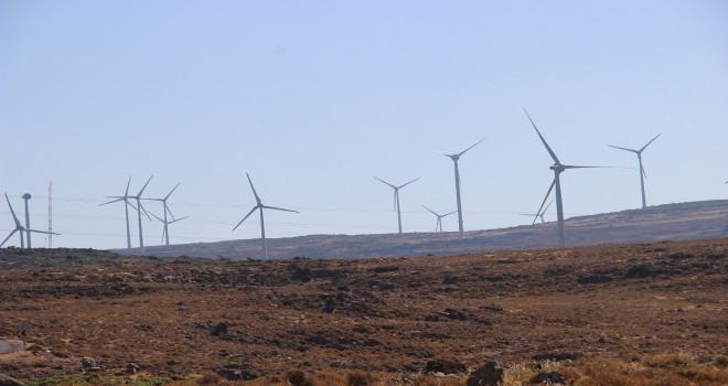 ''Karaburun'daki RES sayısı  elektrik direkleri ile yarışır''