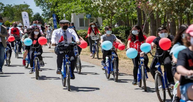 Türkiye'de ilk: İzmir'de çocuk bisikletleri projesi hayata geçti