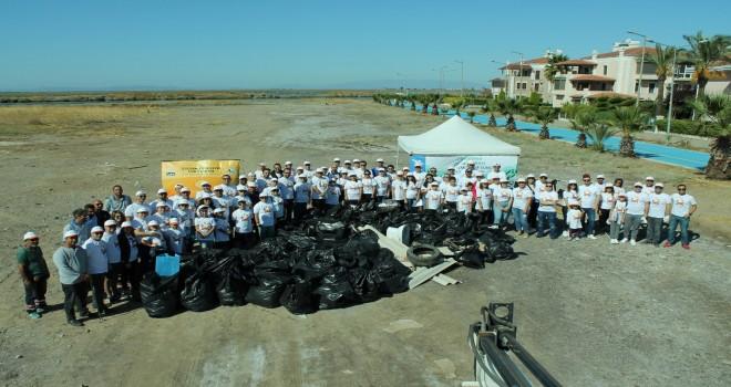 Temiz denizler İçin Mavişehir sahilini temizlediler