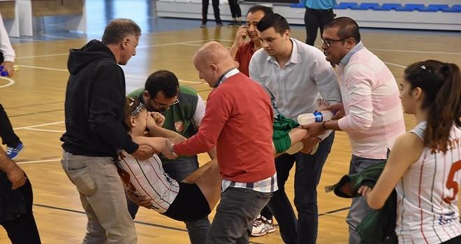 Türkiye Küçük Kızlar Voleybol Şampiyonası'nda sağlık skandalı...