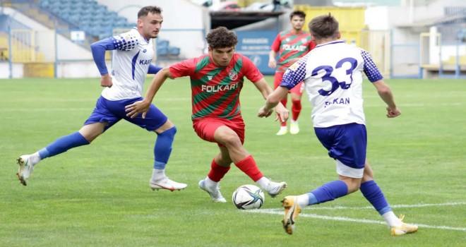 Karşıyaka ligdeki ilk galibiyetini Karabük'te aldı
