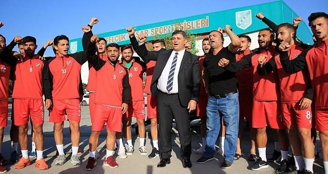 Başkan Tugay, futbolcularla Kaf Kaf çekti...