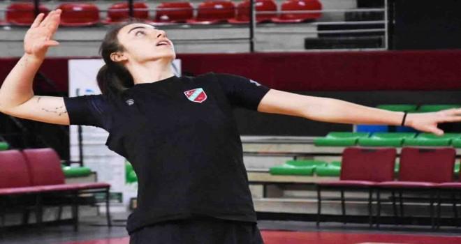 Karşıyaka, İzmirspor'ıu konuk ediyor