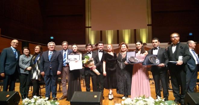 Genç solistlerden muhteşem final