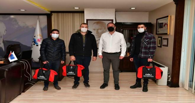 Başkan Gümrükçü'den ''Asker Çantalı'' uğurlama