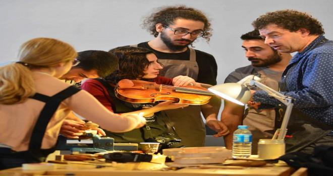 Dünyanın en önemli çalgı yapımcıları 4.kez İzmir'de