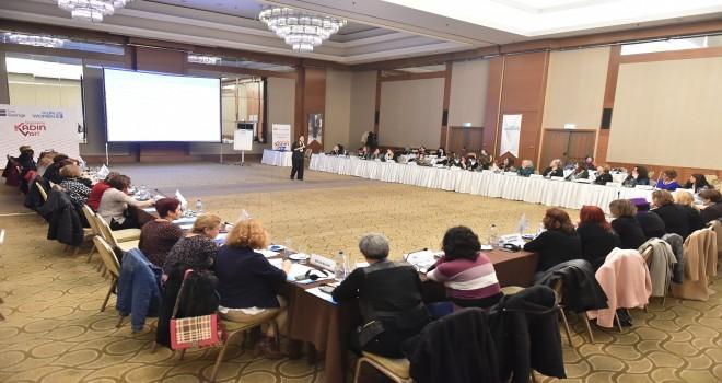 BM Kadın Birimi'nin Yerel Siyaset Atölyesi İzmir'de başladı