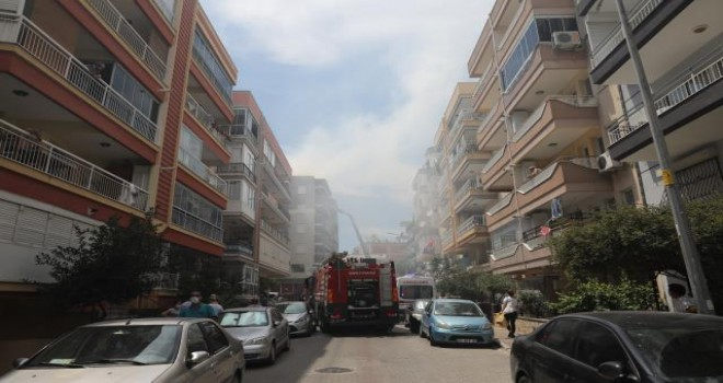 Karşıyaka'daki yangın korkuttu