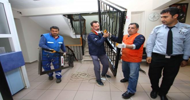 Bayraklı Belediyesi'nde kapalı kapı kalmadı
