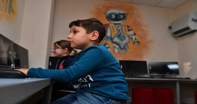İzmir Büyükşehir uzaktan eğitime desteğini sürdürüyor