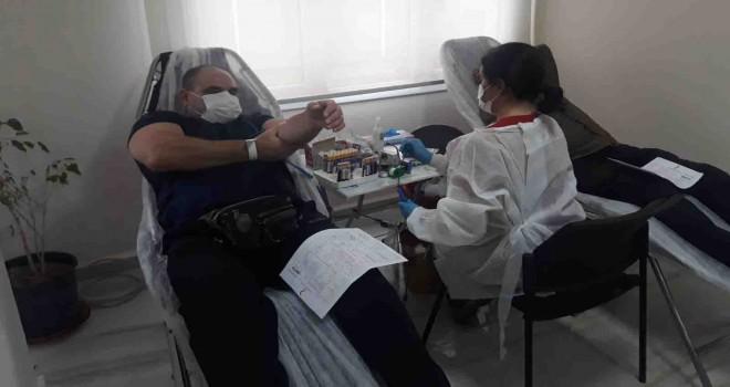 MHP Karşıyaka İlçe Teşkilatı'ndan kan bağışı kampanyası