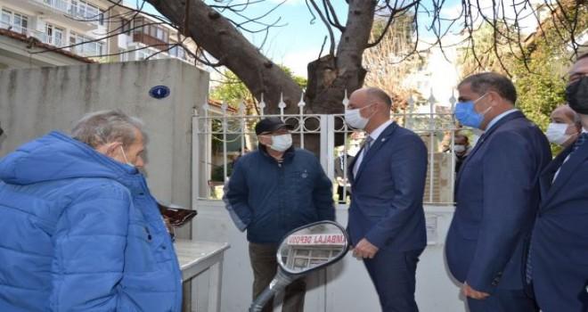 İYİ Parti'den İzmir ve İlçelerinde sel felaketinde zarar gören esnaflara ziyaret