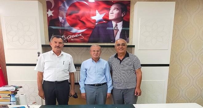 Cem Vakfı İzmir İl Başkanı Müftü İsa Gürler'i ziyaret etti.