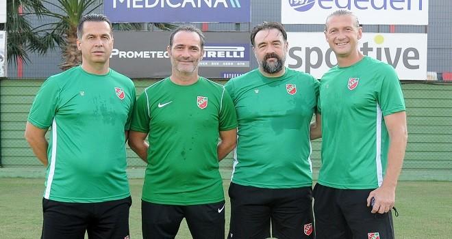 Karşıyaka'da Biçer ve ekibi sözleşme imzaladı