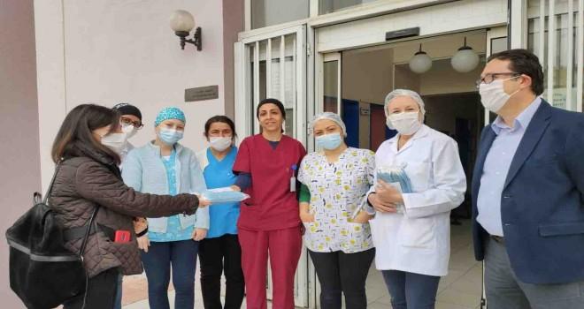 İzmir Büyükşehir'den aile sağlığı merkezlerine maske