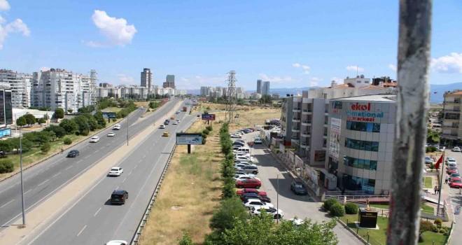 Çiğli'de sökülecek ağaçlar tramvay gelince dikilecek