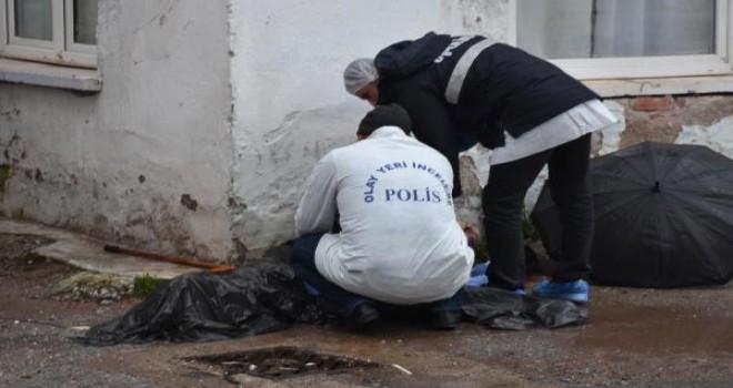 Karşıyaka'da ekmek almaya giden kişi ölü bulundu