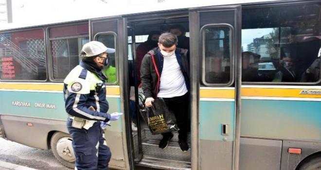 Karşıyaka'da fazla yolcu taşıyan dolmuş şoförüne ceza