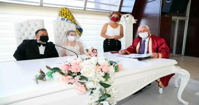 Karabağlar'da nikaha online hazırlık