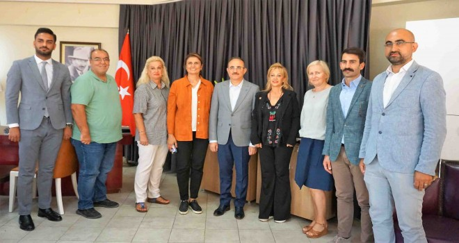 Ak Parti İzmir'den İGC'ye ziyaret