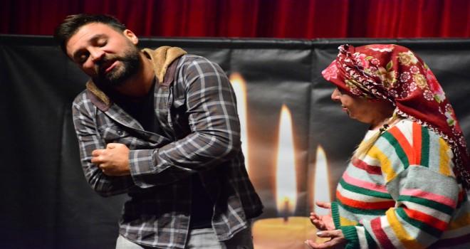Torbalı'da uyuşturucunun zararları tiyatro ile anlatıldı