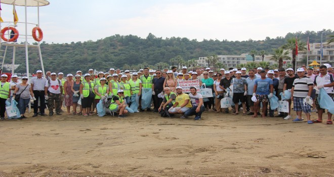 Menderes'te plaj temizliği