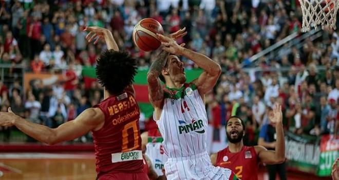 Pınar Karşıyaka Aslan'ı taraftarıyla son bölümde boğdu…