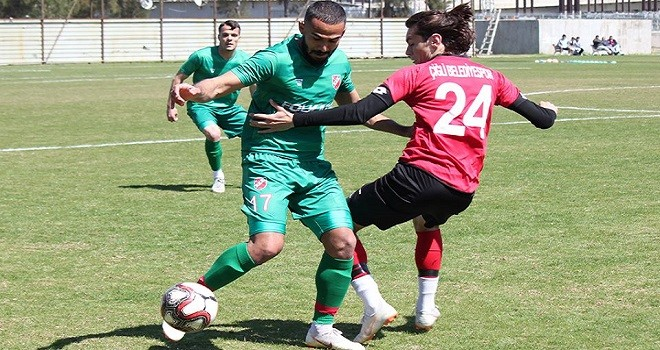 Özel maçta Karşıyaka Çiğli'yi yendi...