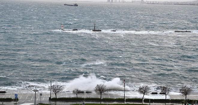 İzmir'e kuvvetli fırtına uyarısı