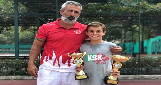 Karşıyakalı tenisçiden çifte şampiyonluk