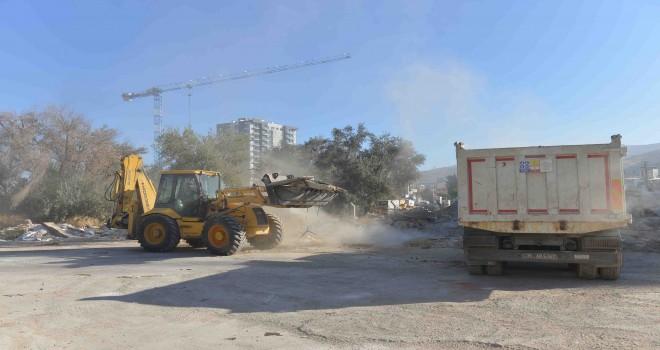 Çiğli Belediyesi'nden ''Moloz Toplama'' atağı