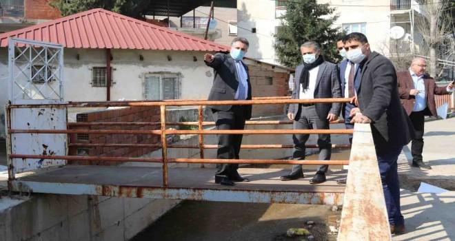 Başkan Sandal sel felaketinin yaralarını sarıyor