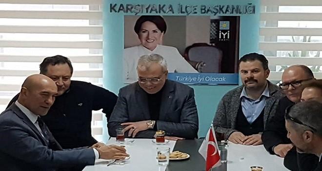 Tunç Soyer İYİ Parti Karşıyaka'yı ziyaret etti