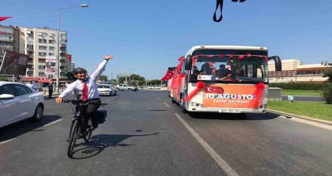 Başkan Soyer'den bisikletle Zafer turu