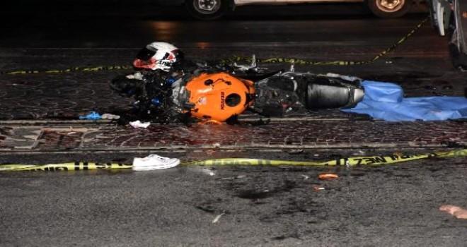 Karşıyaka'daki kazada motosikletli hayatını kaybetti