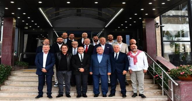 Kulüp başkanları Tunç Soyer'le buluştu