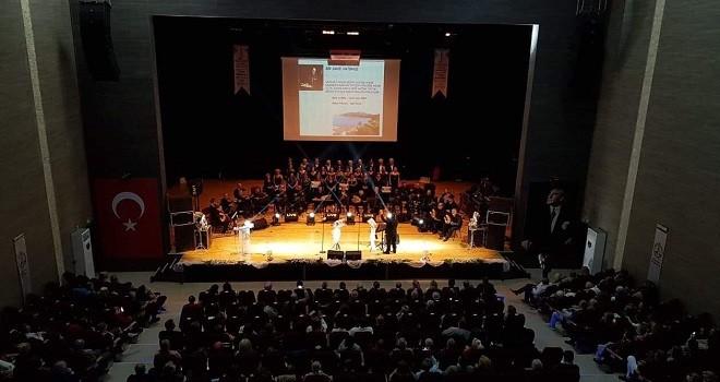 Karşıyaka Sanat Derneği TSM Konseri ayakta alkışlandı...