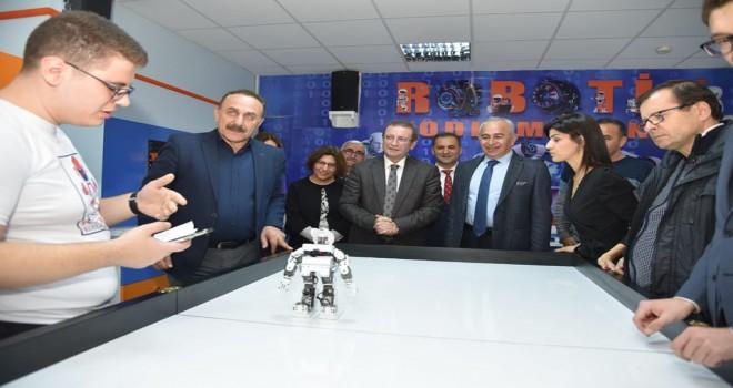 Robotik Kodlama Atölyesi açıldı