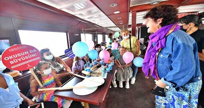 Bergama Vapuru kız çocukları ve aileleri için Körfez'i turladı