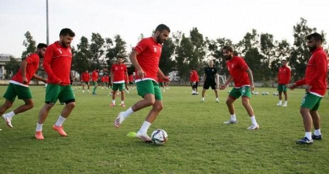 Karşıyaka'da kadro dışı kalan futbolcular affedildi