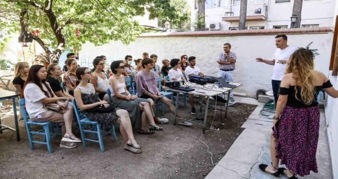 5 ülkeden 21 genç Buca'yı keşfedecek