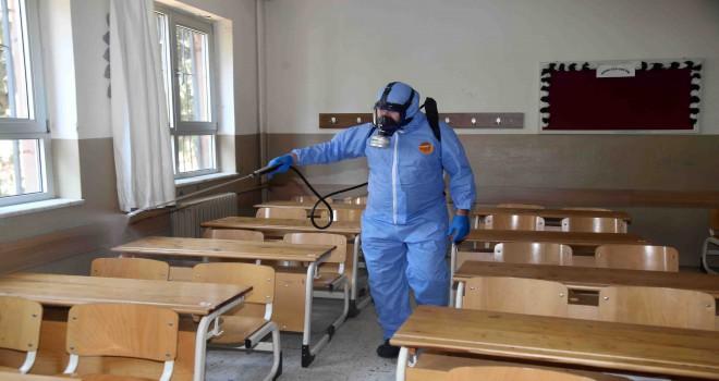 Karabağlar'da YKS merkezleri de dezenfekte edildi