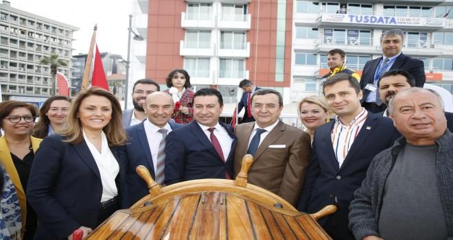 STS Bodrum Okul Gemisi İzmir'den Samsun'a uğurlandı